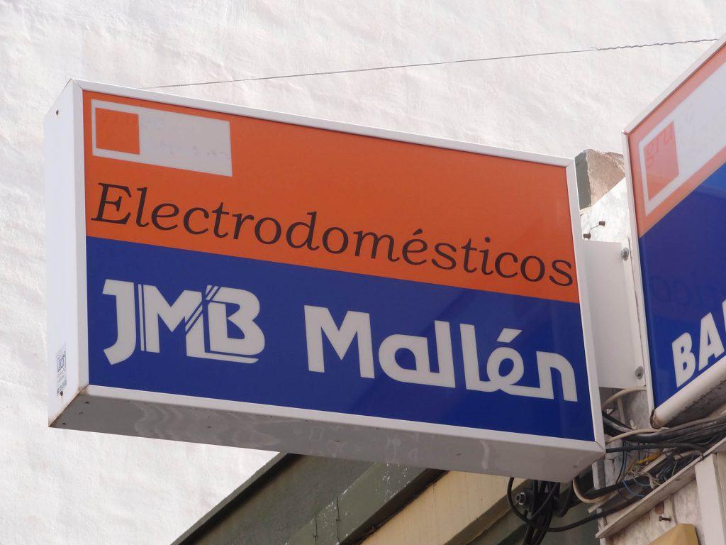 Electronica-winkel-RedDer-uithang