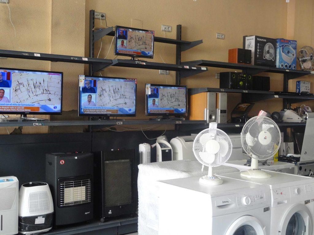 Interieur1-Electronicqa-winkel-RedDer