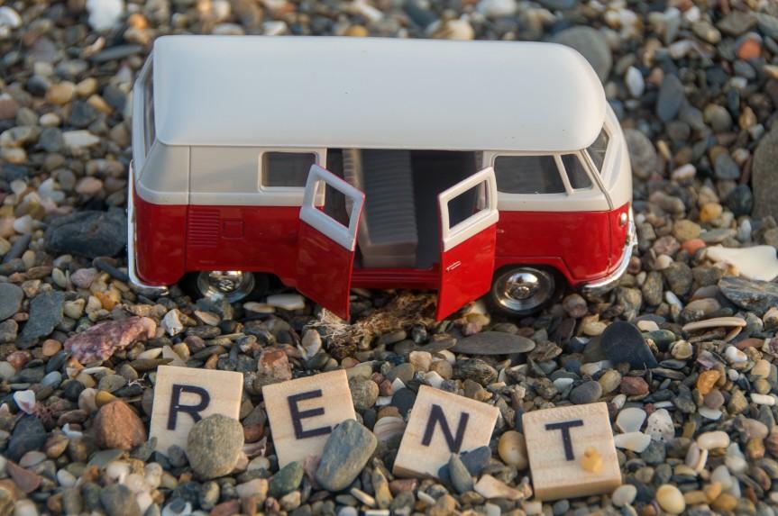bus-car-rent_t20_GJ2JE0